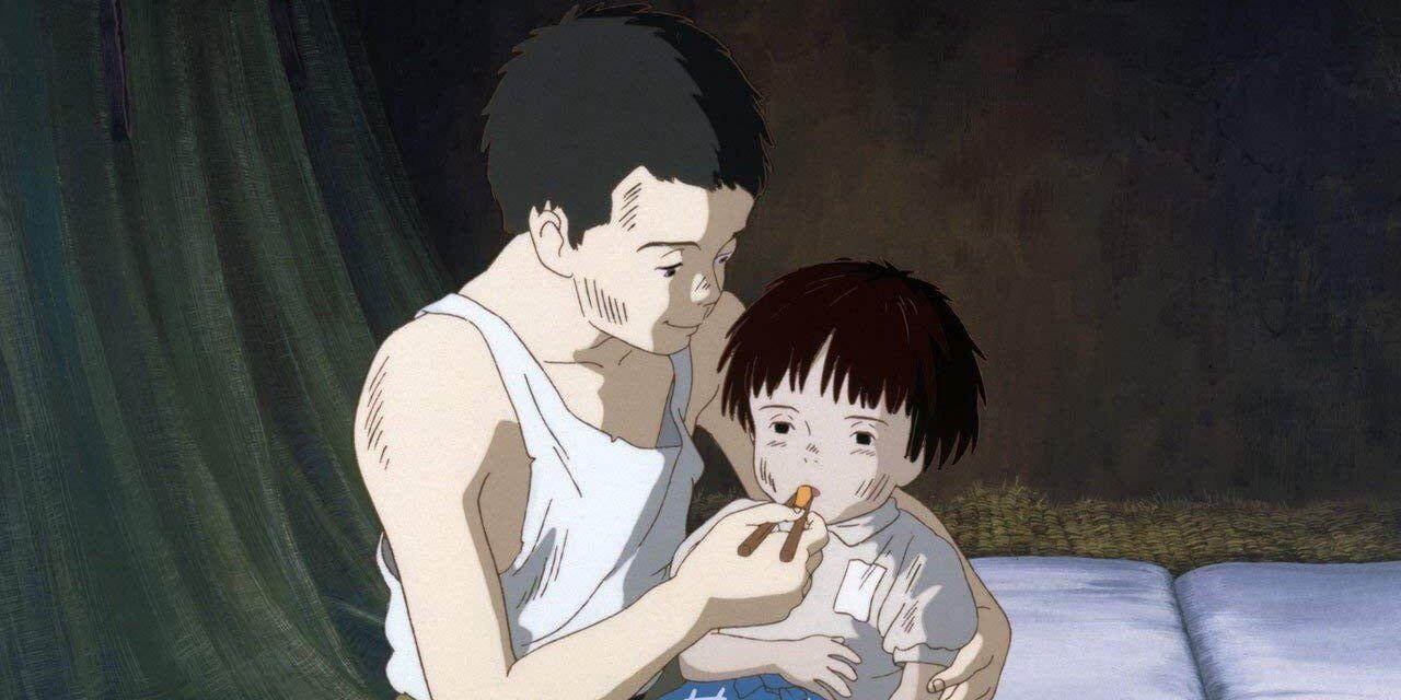 Kadr z animacji. Seita karmi chorowitą Setsuko.