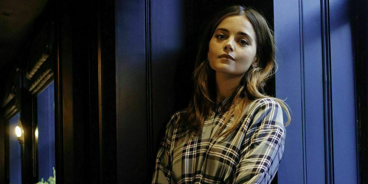 Clara Oswald oparta o TARDIS w Last Christmas